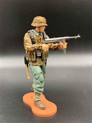MTF WWII - Deluxe GERMAN CAMO PANZER GRENADIER MP40 GUNNER with Gear - 1:18 Scale Marauder Task Force Action Figure